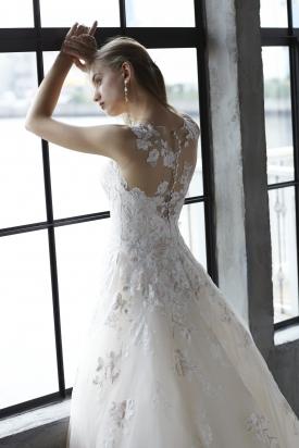イノセントリーウエディングドレス